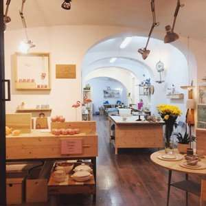 vuelasola hombrepez taller de ceramica