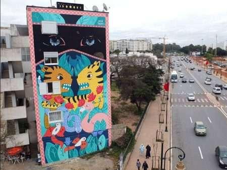 urban art mural tram besos